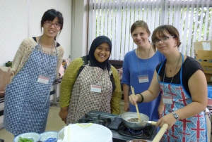 Happy bento cooking team - お弁当作りのチーム
